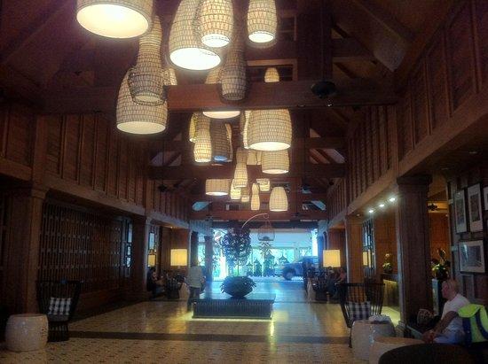 Outrigger Laguna Phuket Beach Resort: Recepção