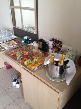 Kipriotis Hippocrates Hotel: our pre wedding supprise