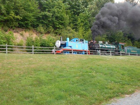 Tweetsie Railroad : Thomas train going up hill