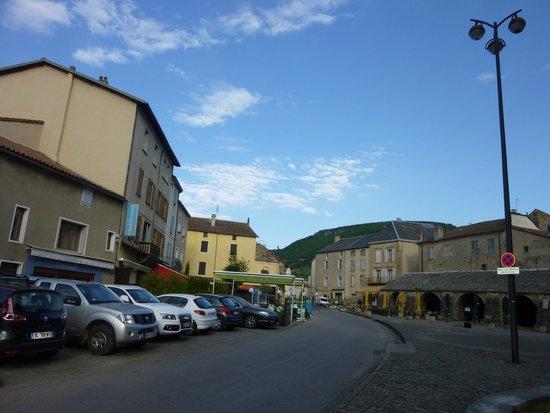 Domaine du Roc Nantais: Le centre du village.