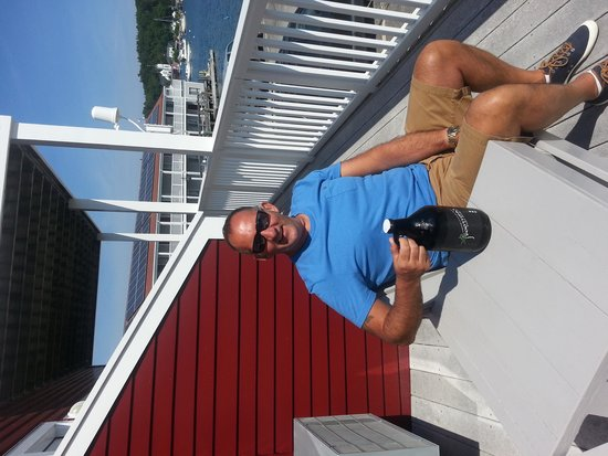 Tugboat Inn: enjoying a craft brewery growler at 501