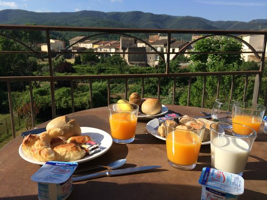Le Couvent d'Herepian: Breakfast from room 5