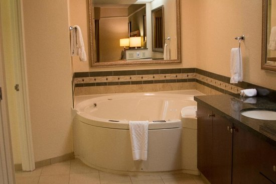 Hilton Grand Vacations at the Flamingo: Jacuzzi Tub