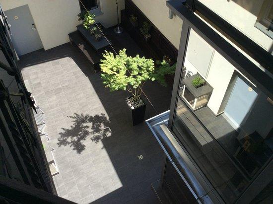 Opera Garden Hotel & Apartments: Courtyard