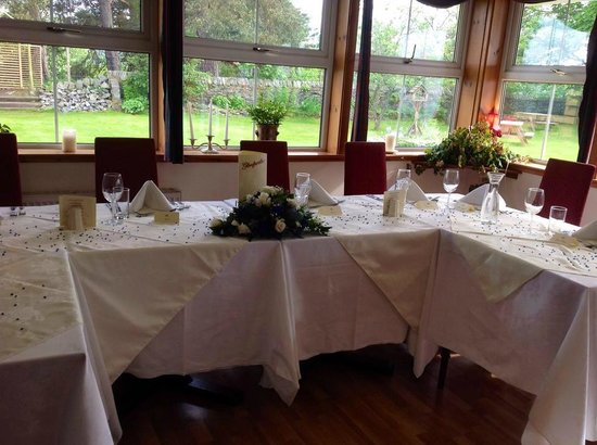 Columba House Hotel : Tables