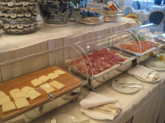 Grand Hotel Miramare: Diverse and Yummy Breakfast