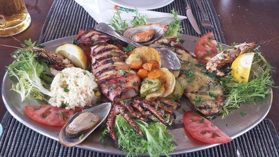 Mango Cafe: Seafood Platter (for 2)