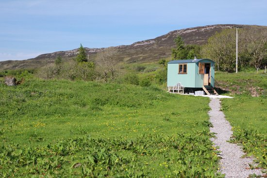 Skye Shepherd Huts: Private with Great Views