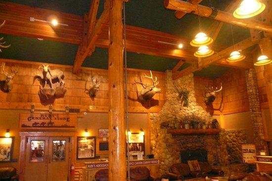 Bryce View Lodge: Empfangsraum/ rezeption