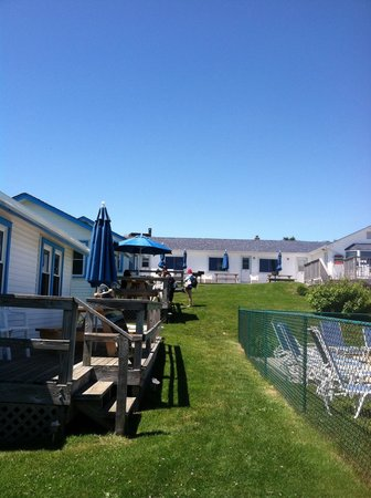 Breakers MTK: the hotel & grounds