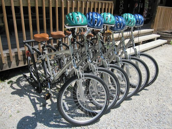 Hidden Bluffs Resort: Rental bikes on site!