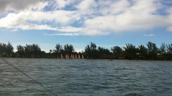Club Med La Pointe aux Canonniers : vu de loin, petit tour en catamaran