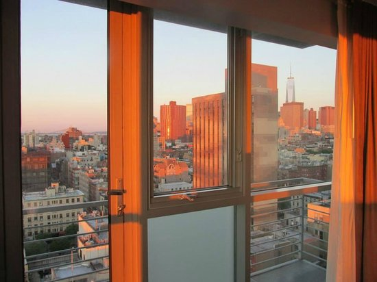 Hotel on Rivington : View at Sunrise 18th Floor