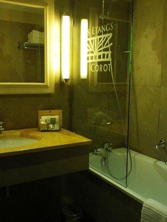 Les Etangs de Corot : Salle de bain