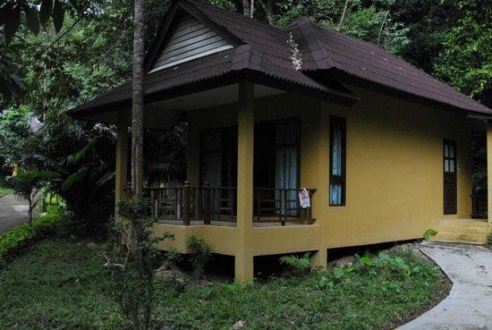 Tonsai Bay Resort : En av våra bungalows