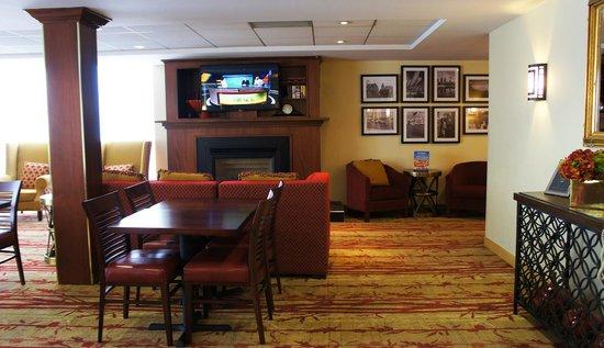 Hotel Carlingview Toronto Airport: Hotel Carlingview - New Lobby