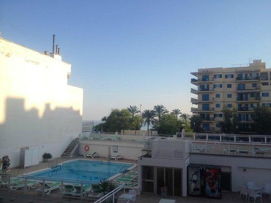 Hotel Amic Miraflores: hotel room view 1