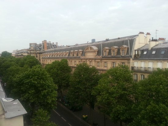 Hotel de Suez: balcony view