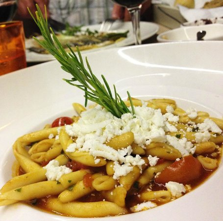 Herb's Garden : Pasta with feta