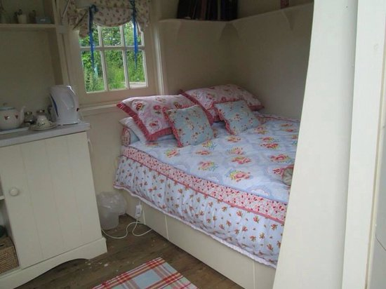 Sutton Mawr Farm: Gipsy rose caravan
