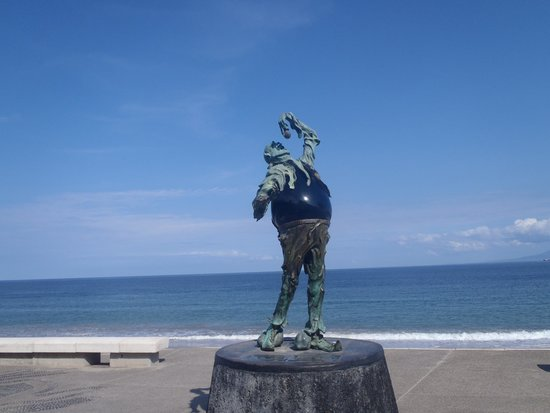 Now Amber Puerto Vallarta: Artwork at the Malecon