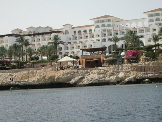 Siva Sharm Resort & Spa: hotel on the way back from a boat trip