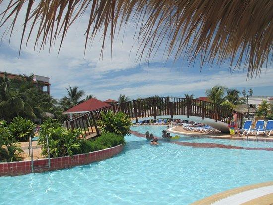 Memories Paraiso Azul Beach Resort: Pool