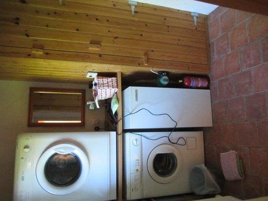 Rosevale Farm Cottages: Utility Room