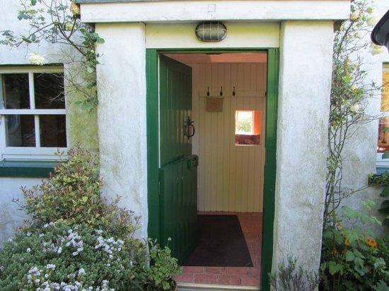 Rosevale Farm Cottages: Front Entrance