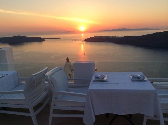 Above Blue Suites: dinner on the terrace