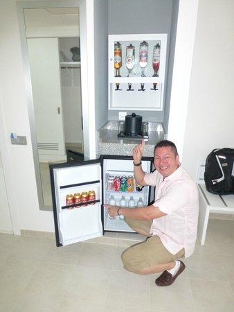 Rio Hato, ปานามา: Mi habitacion y su full mini bar all inclusive!!!