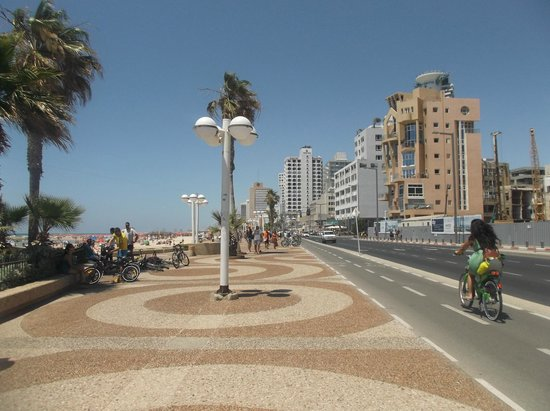 Orchid Tel Aviv: Beach Promenade with view of the hotel