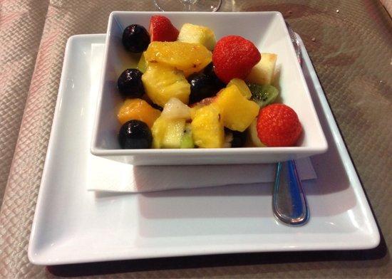salade de fruits picture of le vesuvio juan les pins tripadvisor. Black Bedroom Furniture Sets. Home Design Ideas