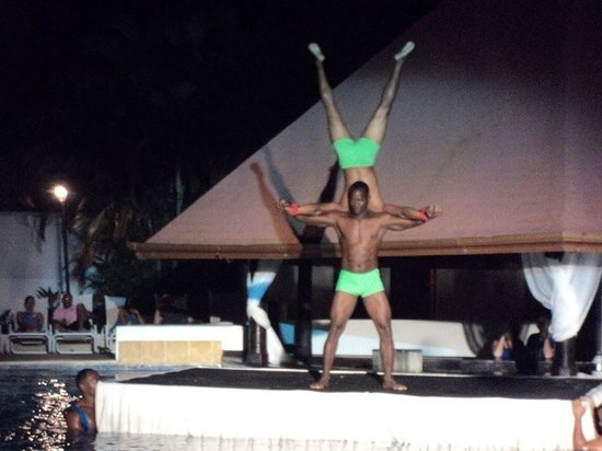 BlueBay Villas Doradas Adults Only: George and Commando in the Aquatic Water Show