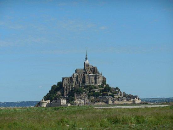 Abbaye du Mont-Saint-Michel : Mont Saint Michel from Causeway