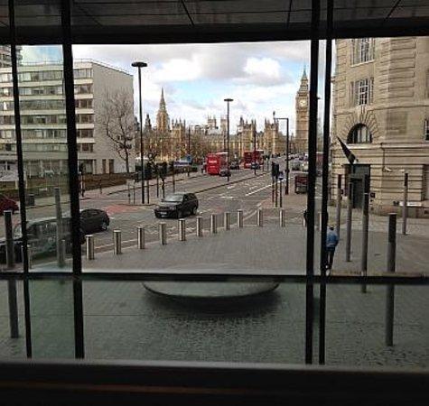 Park Plaza Westminster Bridge London : Utsikt fra frokosten vår den ene dagen