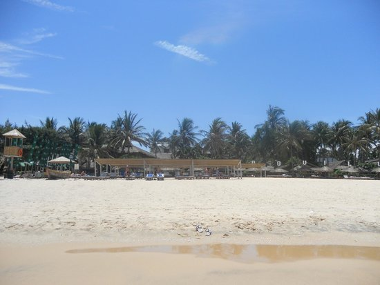 Bamboo Village Beach Resort & Spa: Beach
