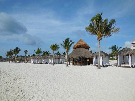 Secrets Maroma Beach Riviera Cancun : Beach bar