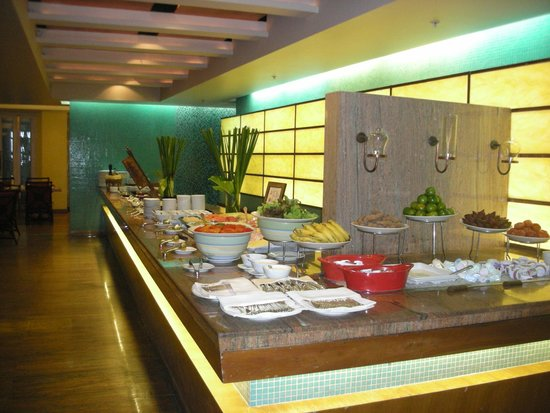 Centara Grand Beach Resort Samui : Huge buffet breakfast