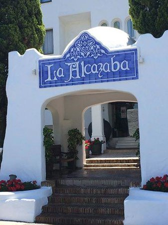 ZAYNI RESTAURANT Good Food & Cocktails Puerto Banus: Zayni is located in La Alcazaba urbanisation