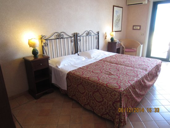 Baia Taormina: our room