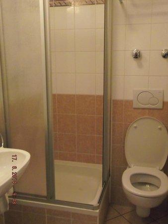 Suite Hotel 900 m zur Oper: bathroom