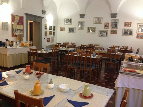 Hotel Vasari Palace: Breakfast  room
