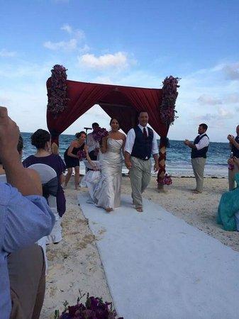 Dreams Riviera Cancun Resort & Spa : Beach Wedding location