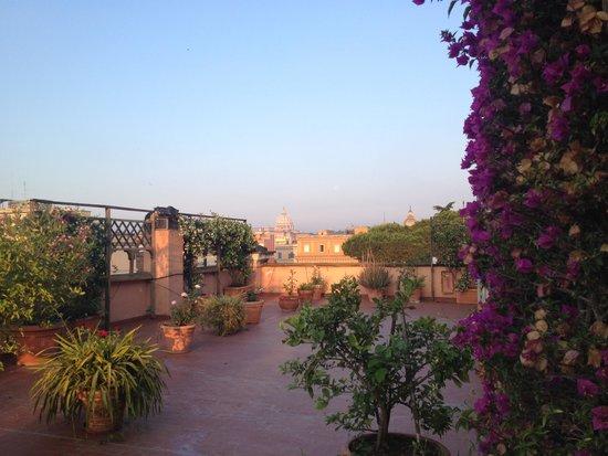 Hotel Giulio Cesare: La terrazza all'alba