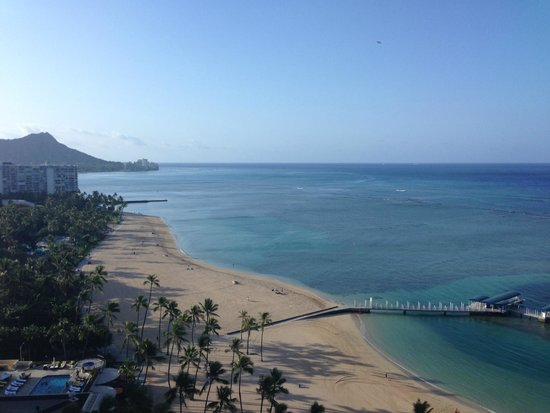 Hilton Hawaiian Village Waikiki Beach Resort: View from Rainbow Tower facing Diamond Head