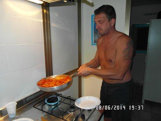 Villaggio Resort Nettuno : cucinando