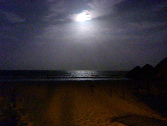 Valentin Imperial Riviera Maya: night from the beach bar