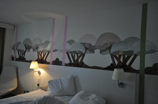 Hotel BLOOM!: mushroom artwork