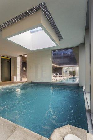 Hotel Plaza El Bosque Nueva Las Condes: piscina temperada